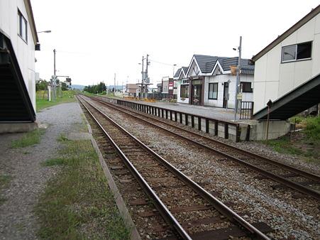 西神楽駅ホーム1