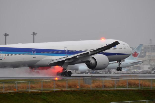 All Nippon Airways - ANA  Boeing 777-381/ER (JA736A )