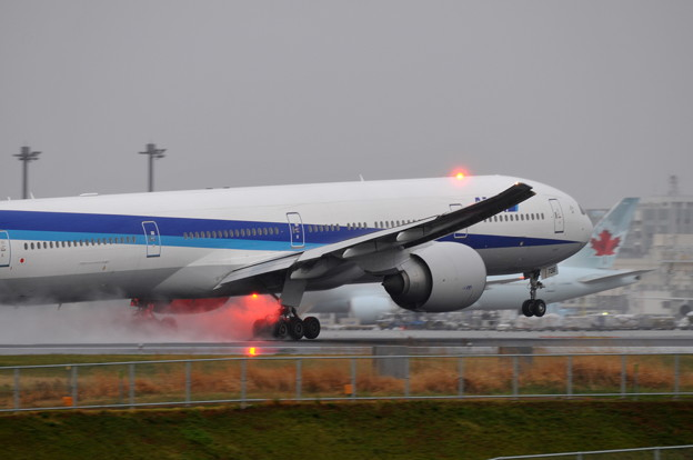 All Nippon Airways - ANA  Boeing 777-381/ER (JA736A )