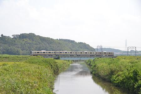 橋の上の209系@物井駅-佐倉駅[8/23]