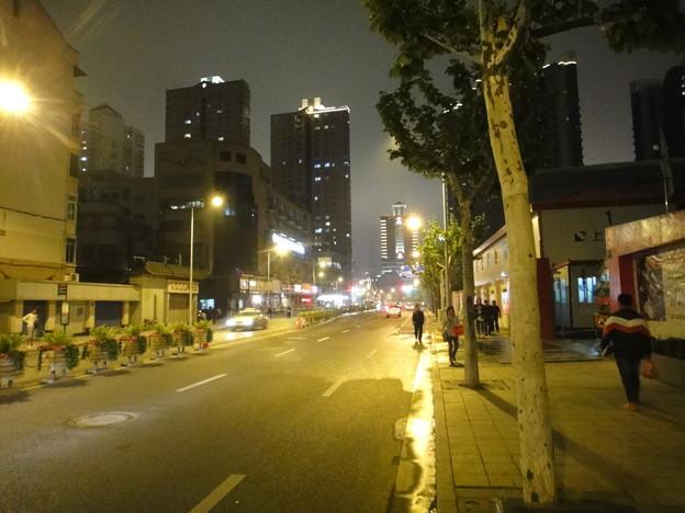 常徳路の夜景にて(上海)
