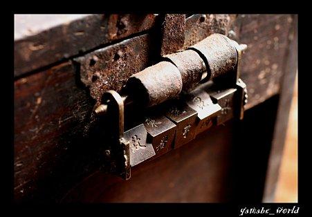 銭箱とからくり錠前