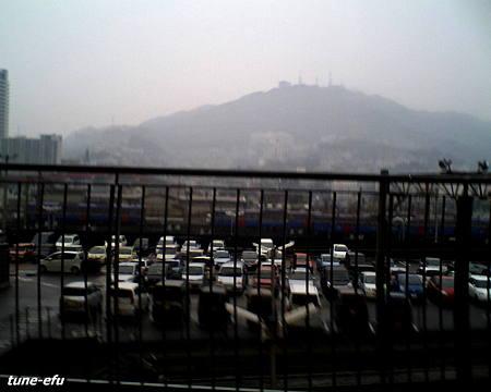 雨の駐車場