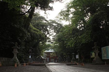 鹿島神宮・参道から楼門
