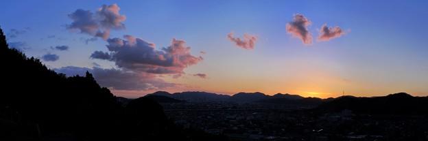 2012年1月12日 梶原山中腹で見た夕焼け 90度
