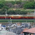 Photos: 2009_0426_090132AA テレビカーとダブルデッカー