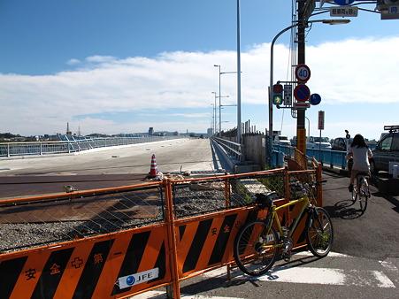 拡張工事中の安西橋