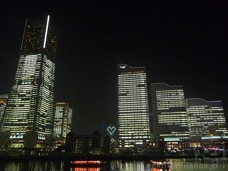 111222-みなとみらい(汽車道) (3)