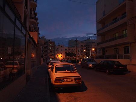夜明けの町