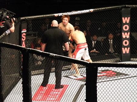 UFC 144 五味隆典vs光岡映二 (2)