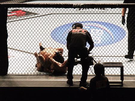 UFC 144 水垣偉弥vsクリス・カリアーゾ (1)