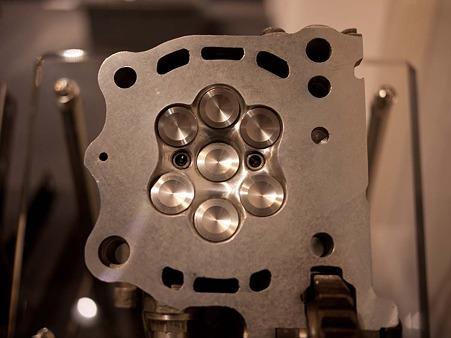 7バルブエンジン