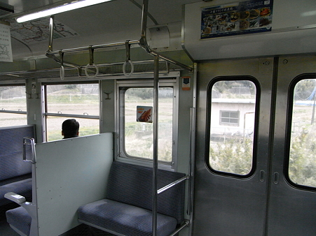 113系成田線車内1