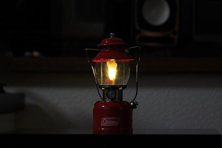 2011.12.17 机 Half size lantern ColemanR Model 200A