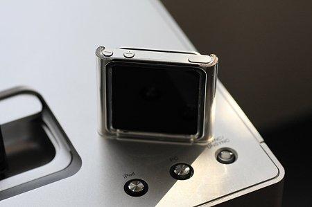 2012.01.11 机 iPod nanoにHard Case(AVA-N11PCCR)