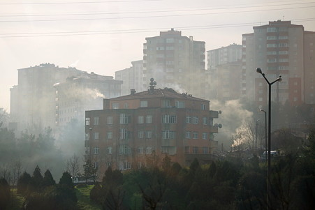2011.01.28 トルコ イスタンブル 朝の煙立つ街