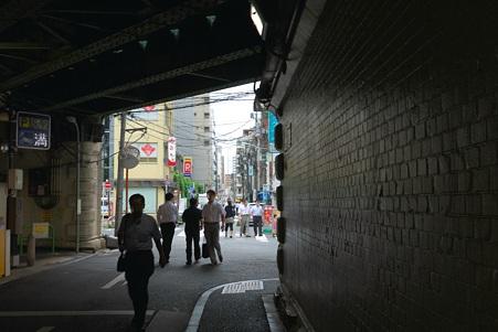 2011.08.06 新橋 ガード下