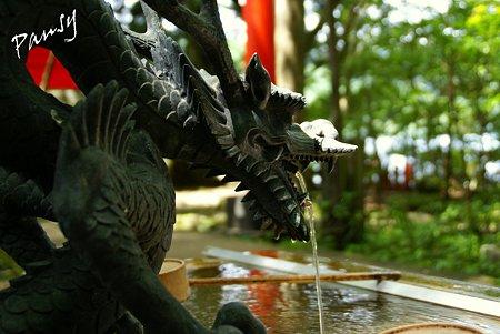 龍の手水舎・・