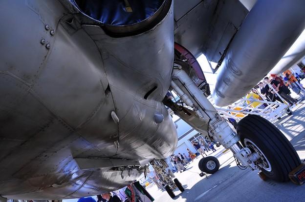 EA-6Bプラウラーの機体下。。