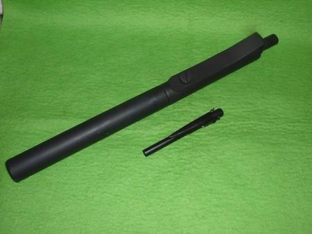 フルスクラッチ モデルガン「OSSスティンガー」と「ソ連 パイプ 型消音拳銃」