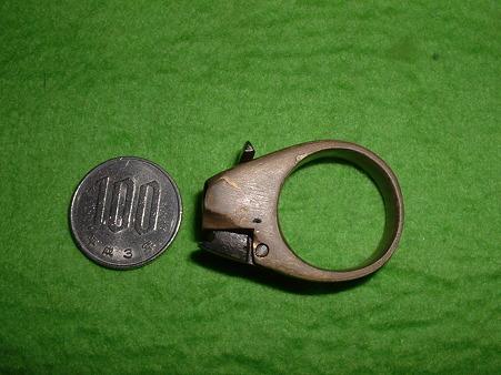 フルスクラッチ 「指輪型 3連パッカーション ピストル」 右側面 Doburoku-TAO